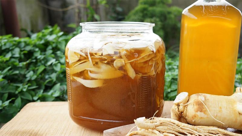 Cách uống mật ong ngâm sâm tươi đúng cách.